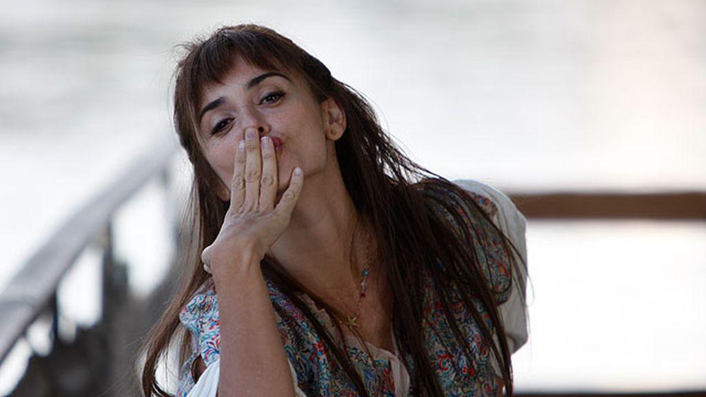 La  feliz mirada de Penélope Cruz en 'Volver a nacer'
