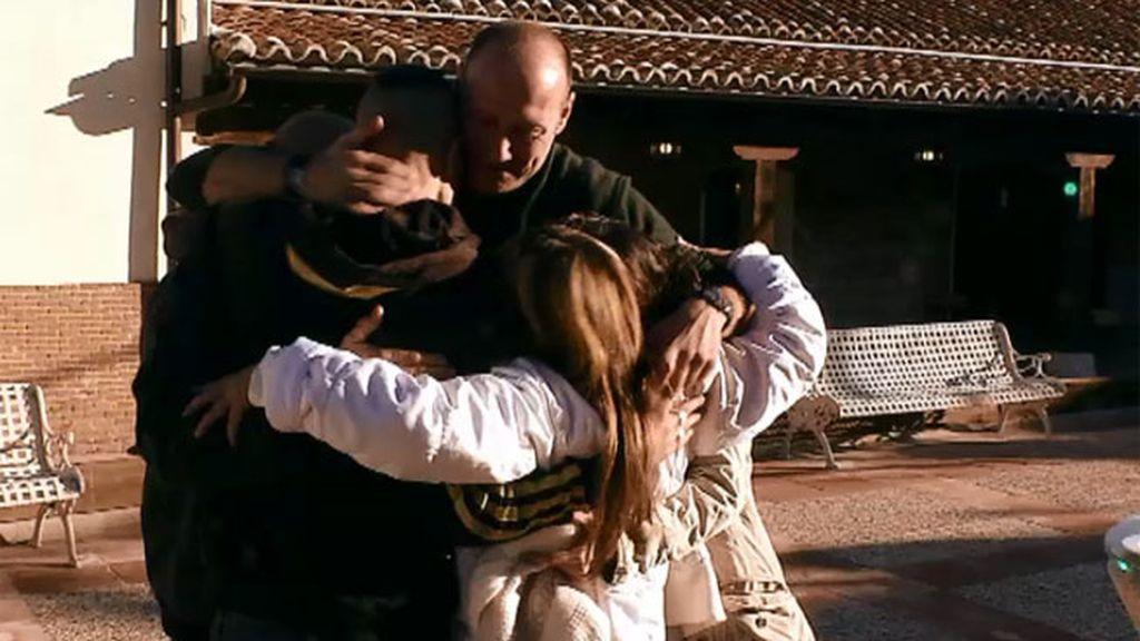 Marcos se reconcilia con su familia