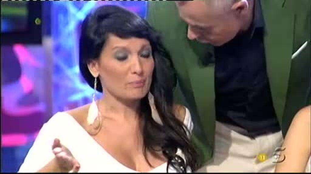 Veronica llora desconsolada