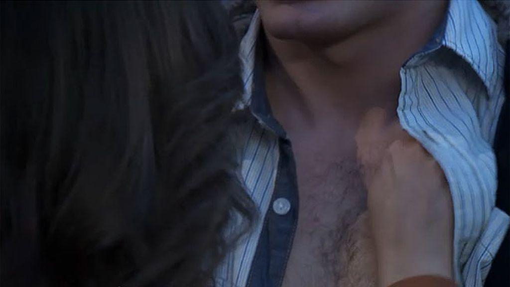 Jacobo besa, al fin, a Lidia