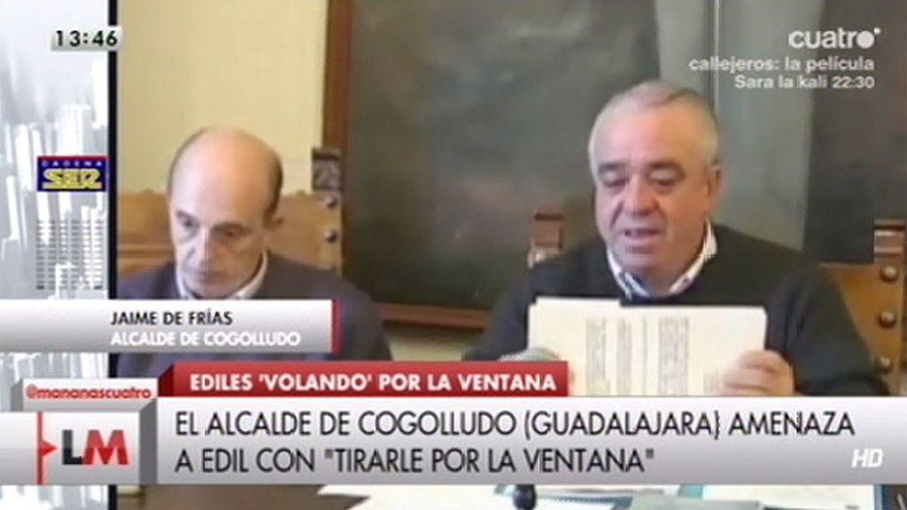 """El alcalde de Cogolludo: """"Voy a dejar de ser alcalde pero vas a salir volando por la ventana"""""""