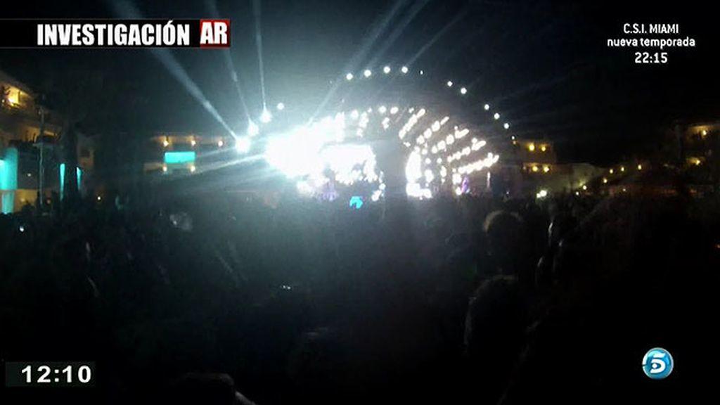 'AR' asiste a la fiesta más exclusiva de Ibiza