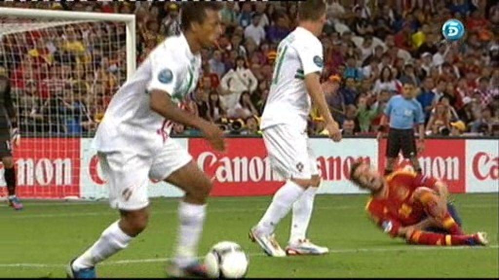 Patada a Jordi Alba sin balón