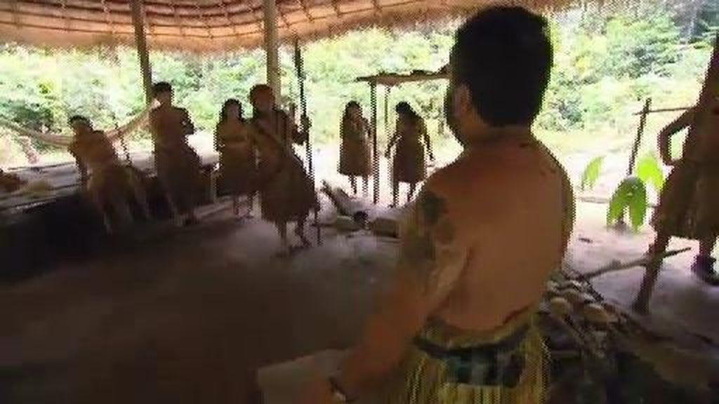 Los Merino hacen regalos a la tribu