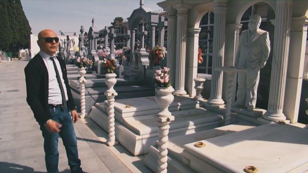 La muerte de un patriarca condiciona la vida y las costumbres de una familia