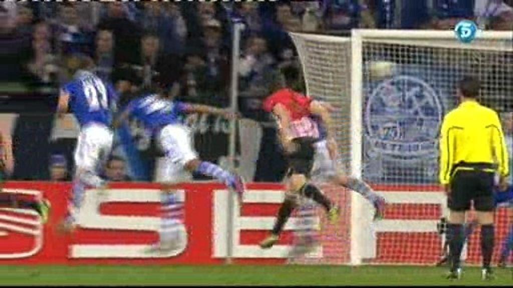 Schalke 04 2- 2 Athletic Club 2: Llorente