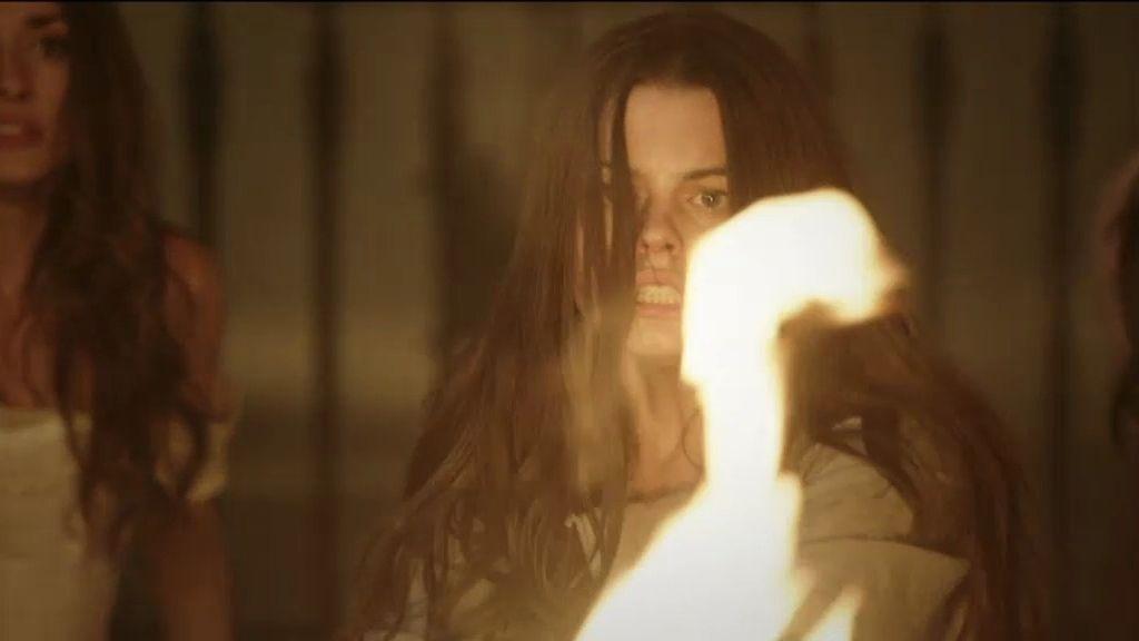 Rescatan a Isabel del convento