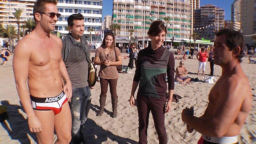 El particular glamour de la playa de Benidorm