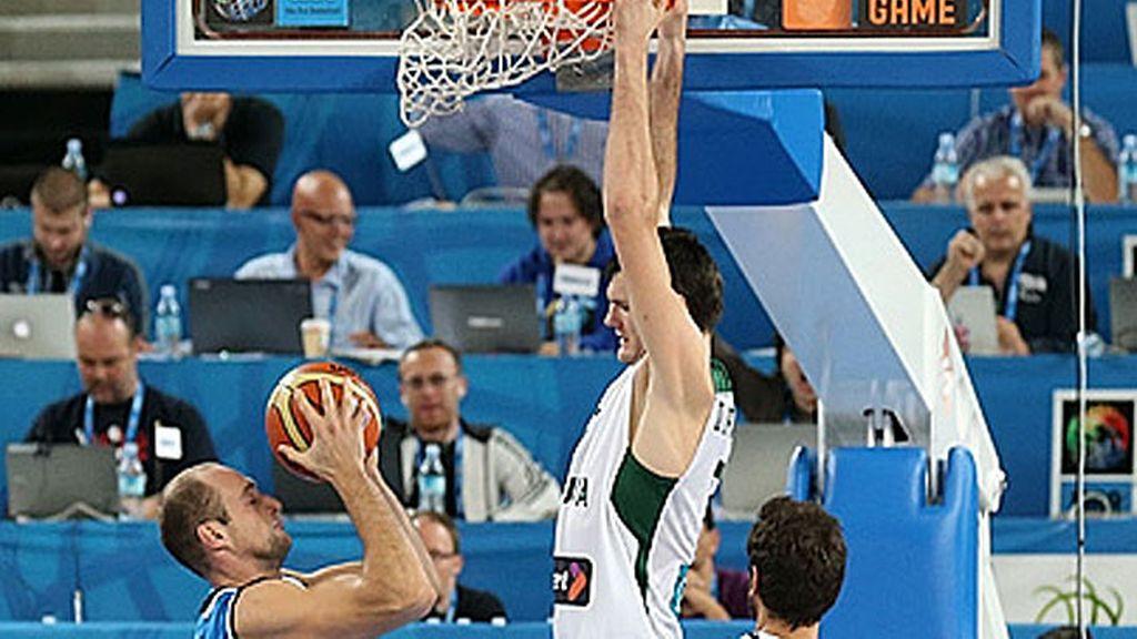 Lituania vence a Italia (81-77) y jugará las semifinales ante Croacia