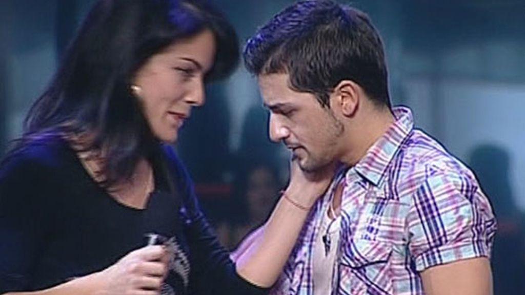Geno canta a dúo con Álex