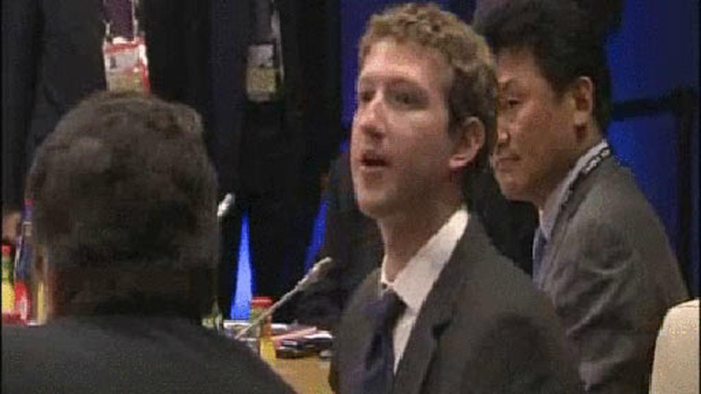 Zuckerberg en el G-8