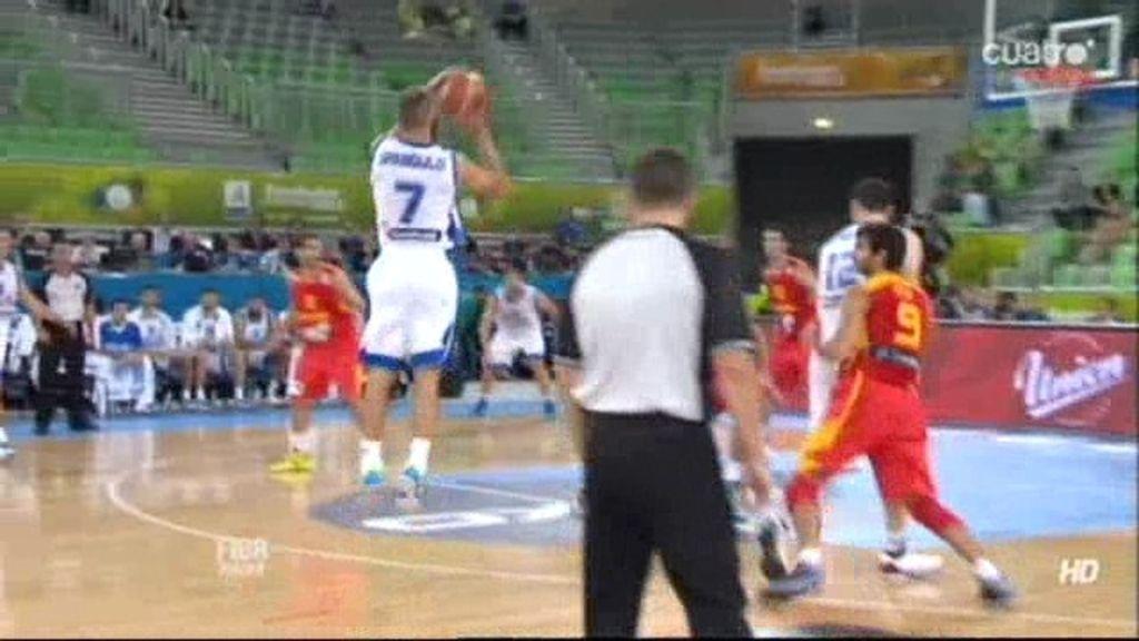 Spanoulis le da la vuelta al partido en el segundo cuarto