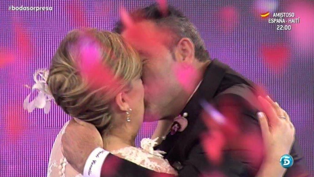 Mª Carmen y Nando se vuelven a dar el 'sí quiero' en 'Las bodas de Sálvame'