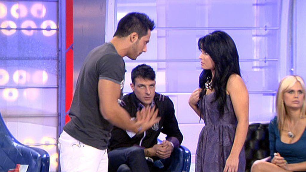 Ana se enfada por el beso de Marina