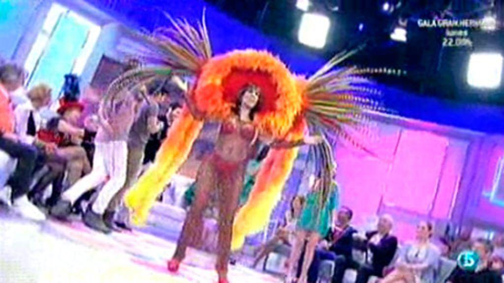 Lita Claver interpreta 'Viva el Musical Hall'