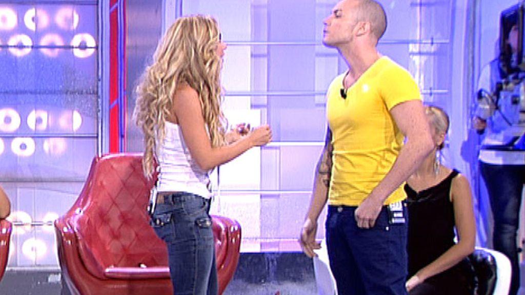 Ramón no quiere ser pretendiente de Elena