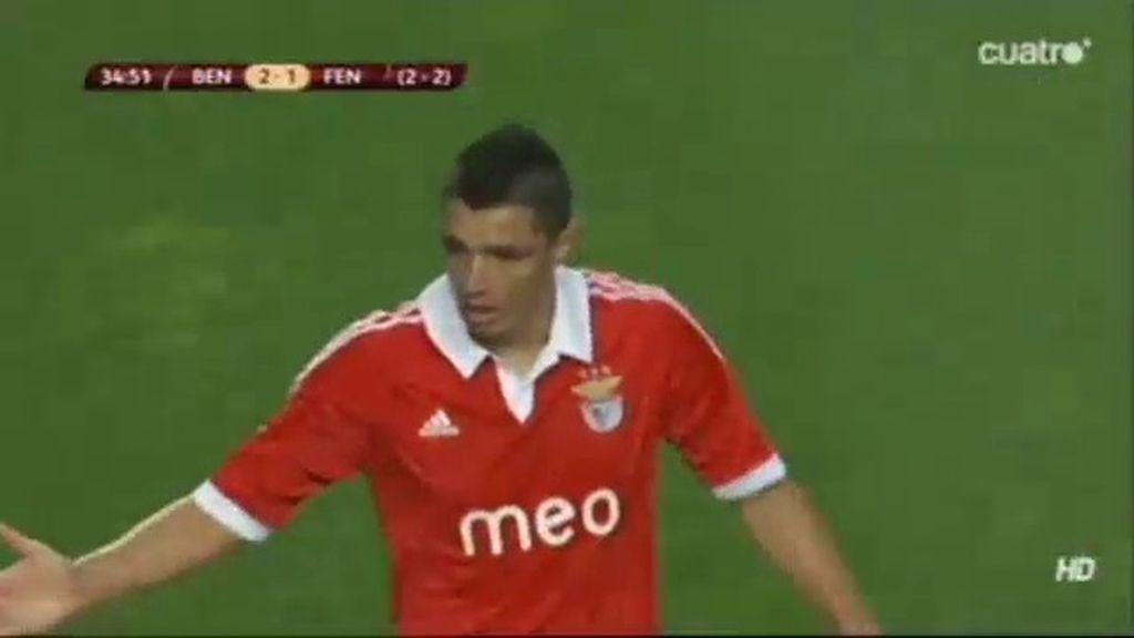 Cardozo hace el segundo del Benfica