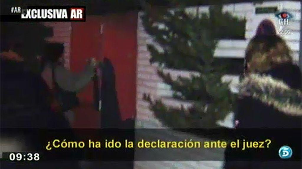 La mujer de Diego Torres no se pronuncia sobre su declaración ante el juez