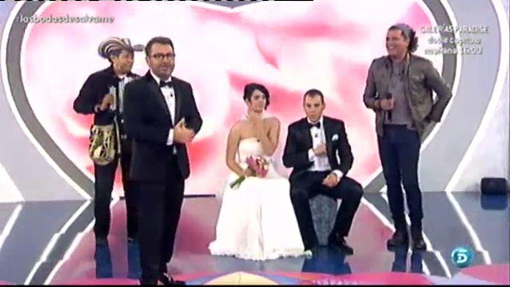Carlos Vives canta 'Volví a nacer'