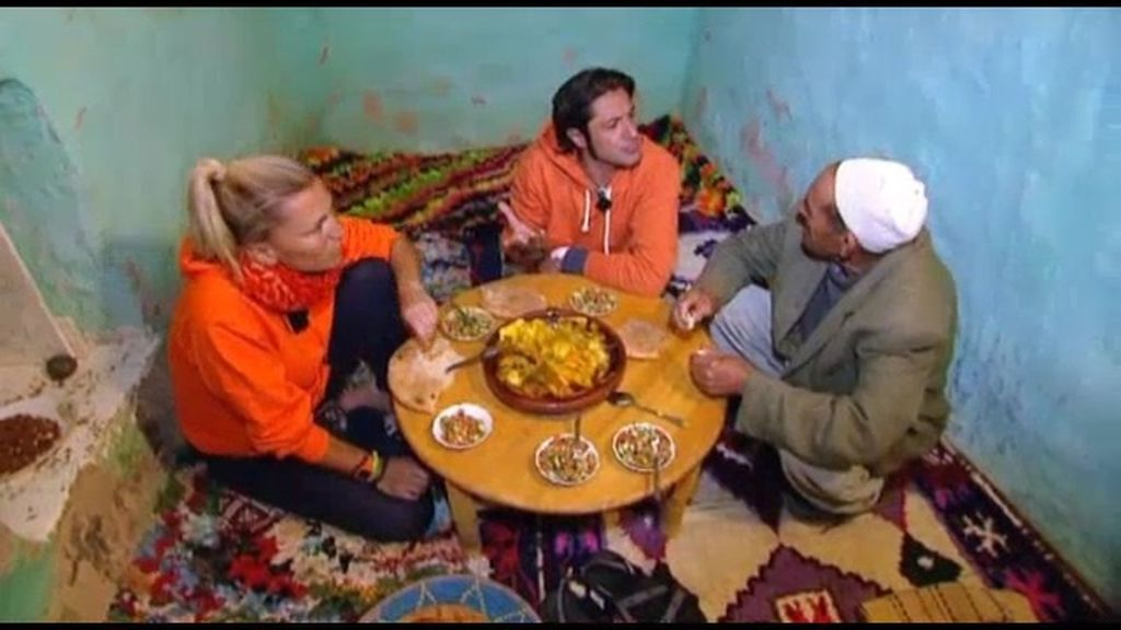 Noche surrealista en una casa bereber