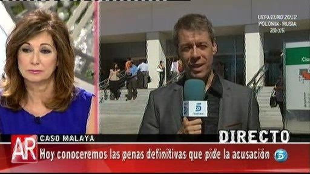 Julián Muñoz ha asegurado a Ricardo Sanz que su relación con Pantoja era una farsa