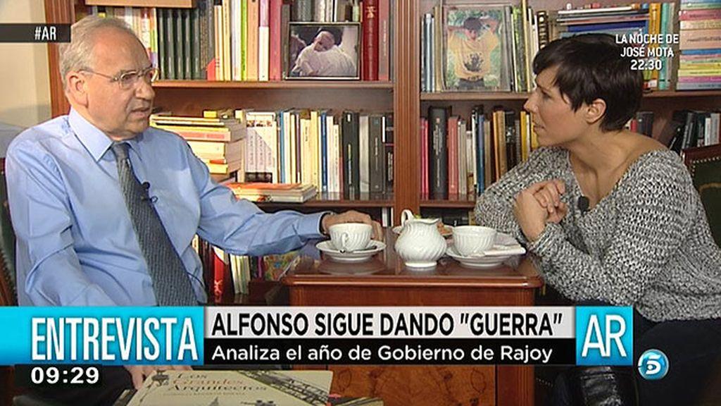 """Alfonso Guerra: """"Este primer año de gobierno del PP ha sido un año de incompetencia y dedicado a intereses grupales"""""""