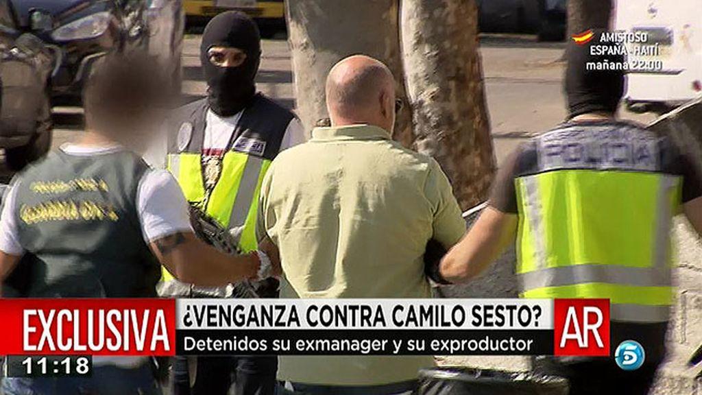 Las imágenes de la detención del exmanager y el exproductor de Camilo Sesto, en exclusiva