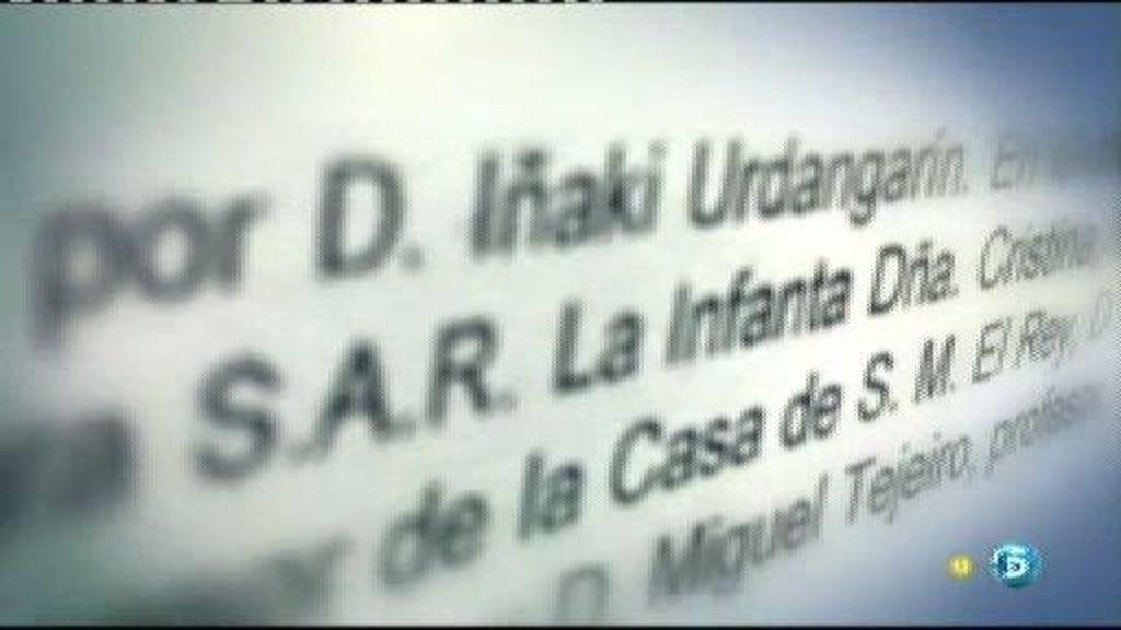 El nombre y la firma de la Infanta aparece en varios documentos claves en la trama