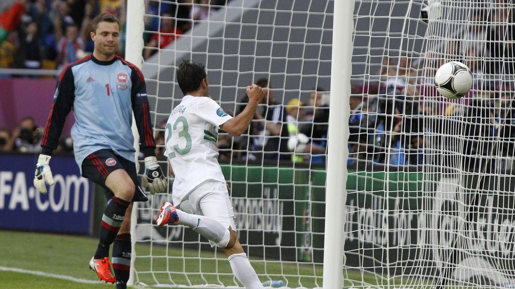 Marca Postiga tras una gran jugada de Portugal