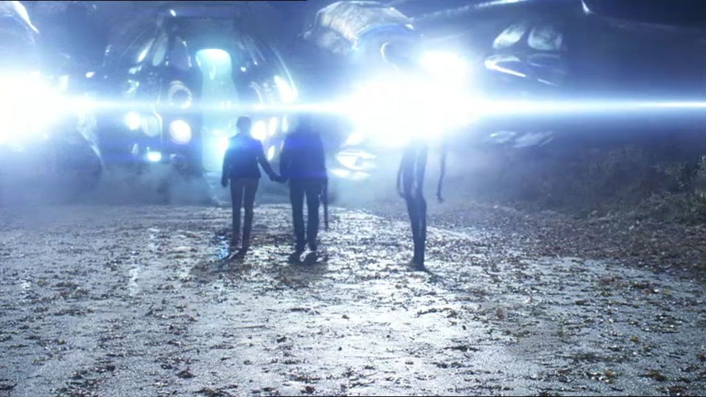 Tom se va con los alienígenas
