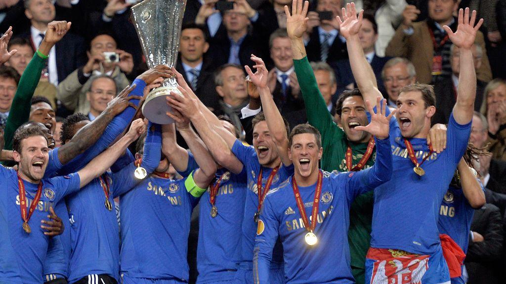 Así recogió el Chelsea el trofeo