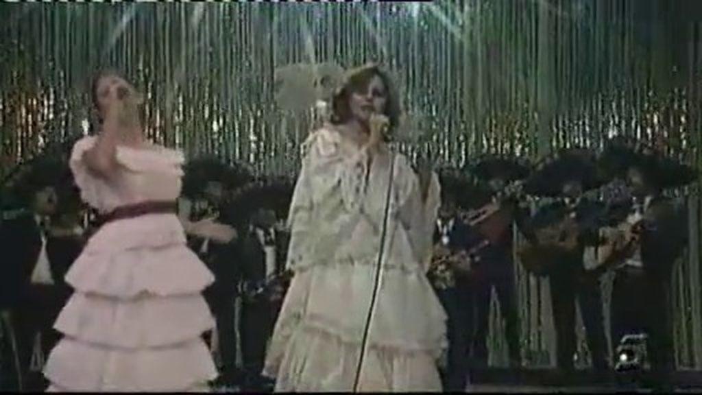 ¡Mercedes canta con Rocío Dúrcal!