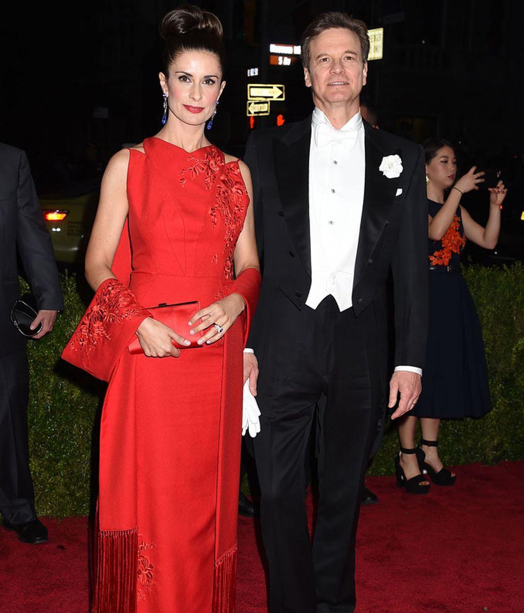 Collin Firth y Livia Giuggioli, ella con vestido de botellas recicladas