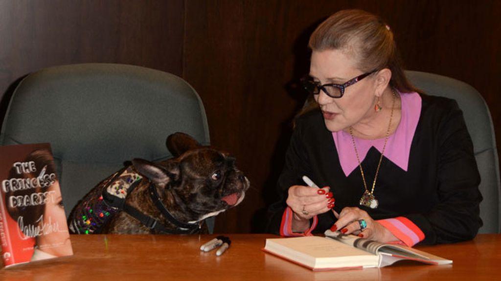Ambos en la firma de su libro 'The Princess Diarist', que publicó en 2016