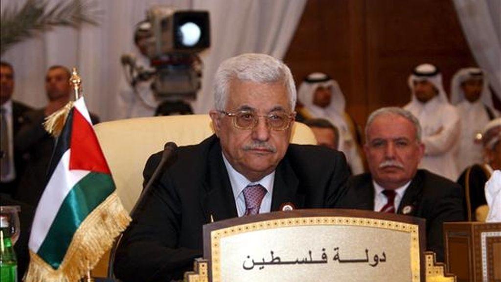 Fotografía cedida por la Autoridad Nacional Palestina que muestra al presidente palestino, Mahmud Abás, durante la sesión de clausura de la XXI Cumbre de los países de la Liga Árabe en Doha (Qatar) el pasado lunes, 30 de marzo. EFE