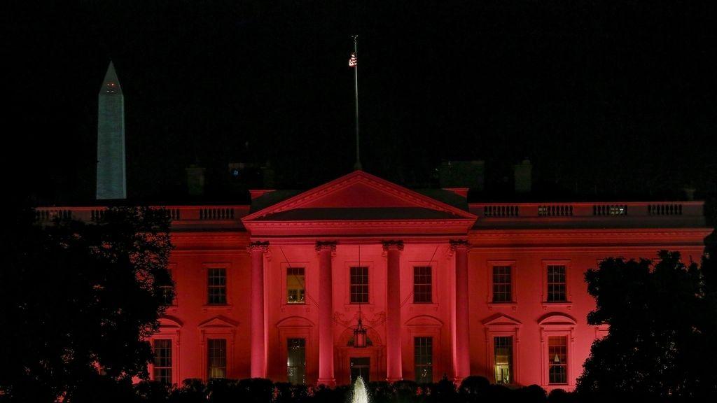 La Casa Blanca, contra el cáncer de mama