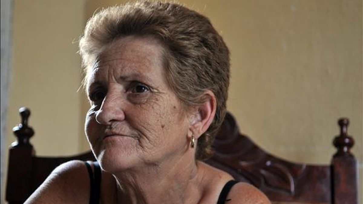 """Mireya Pentón, madre del opositor cubano Lester González Pentón, integrante del movimiento proderechos humanos """"Razón, verdad y libertad"""", condenado a 20 años en la """"Primavera Negra"""". EFE"""