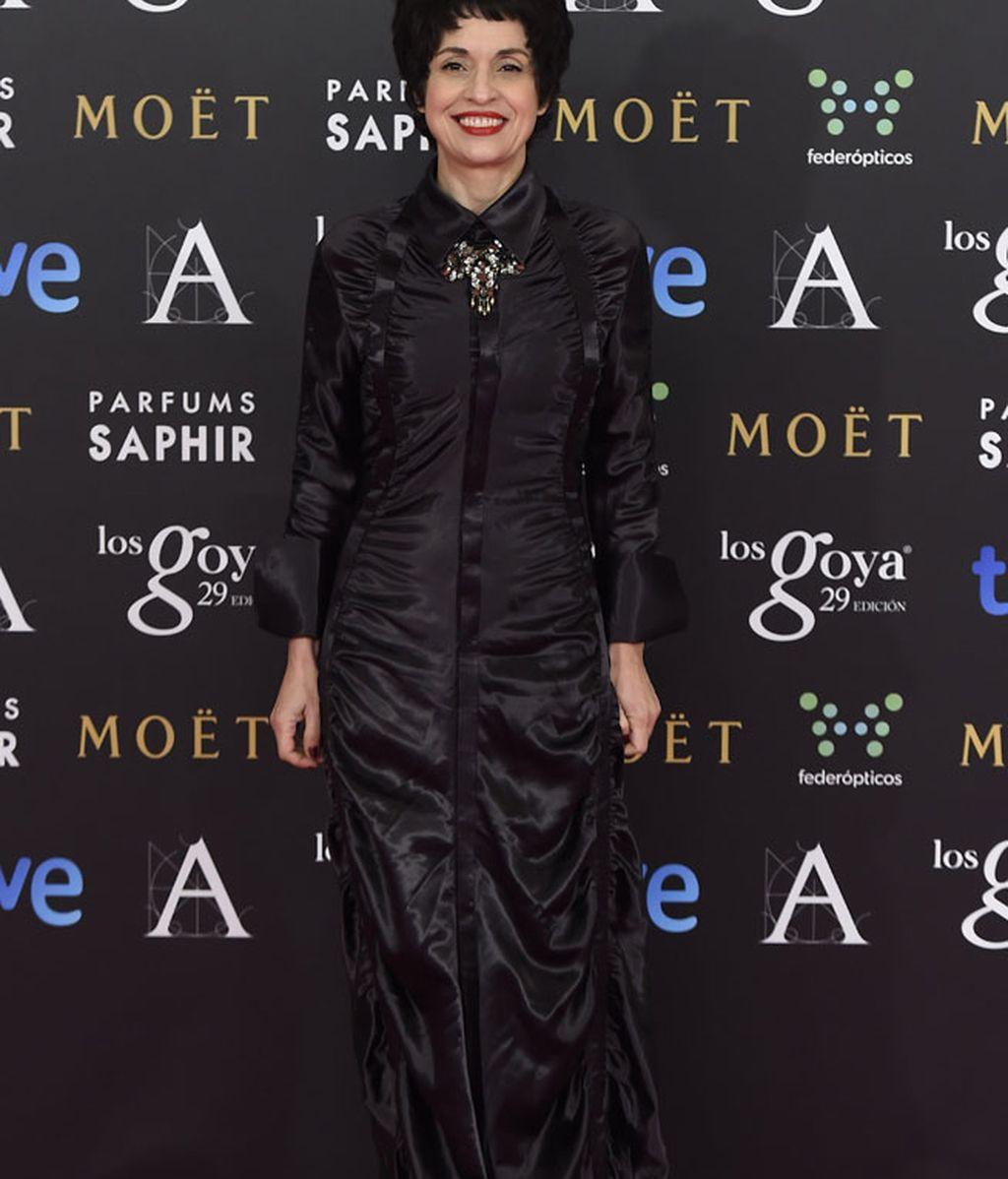 Adriana Ozores con vestido de Devota & Lomba
