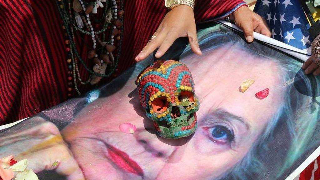 Chamanes con Clinton