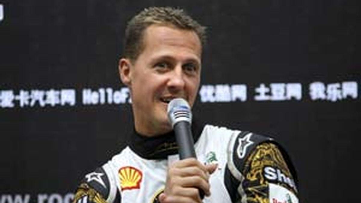 Michael Schumacher en la Carrera de Naciones 2009, que se celebra en el estadio olímpico de Pekín. Foto: EFE