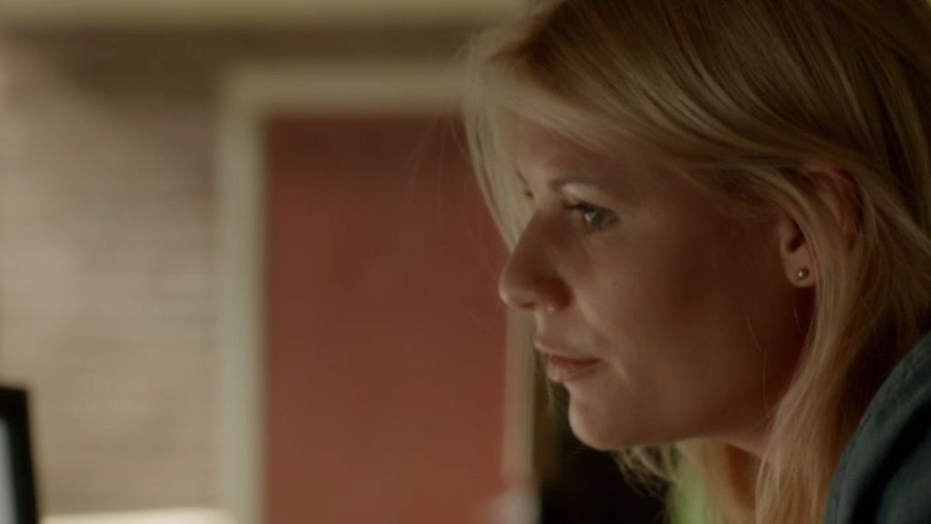 Carrie, día y noche pendiente del Sargento Brody