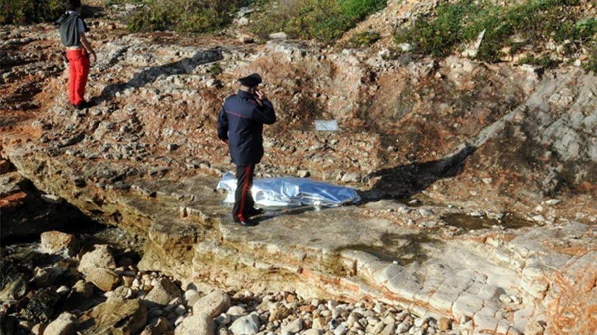 Una inmigrante muerta y cinco desaparecidos tras ser lanzados al mar en la costa de Italia