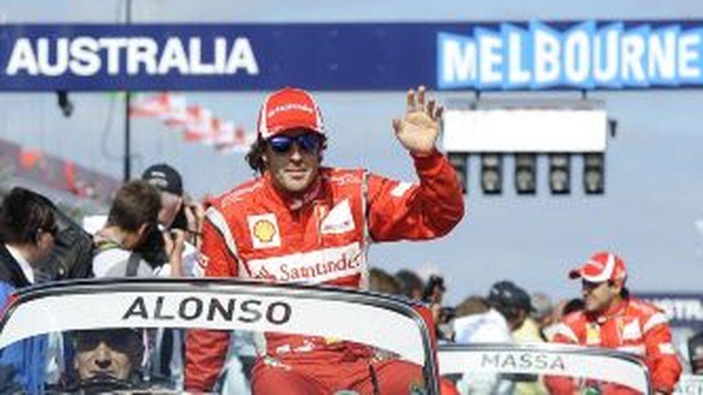 Alonso, a su llegada a Melbourne. Foto: Gtres