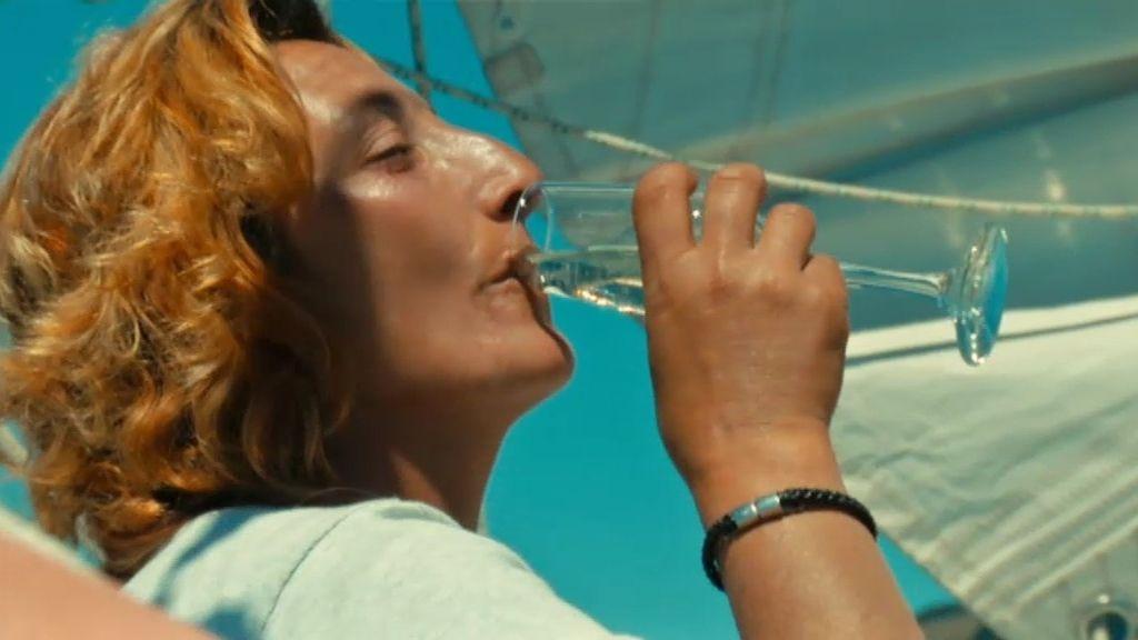 Hana y Ana María, un día de velero y champán