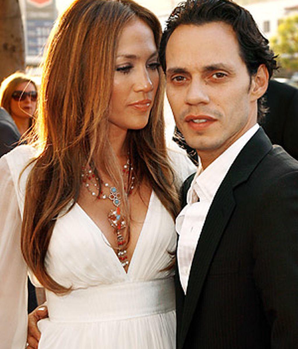 Jennifer Lopez y Marc Anthony, tendrán que responder ante el juez por la agresividad de su perro.