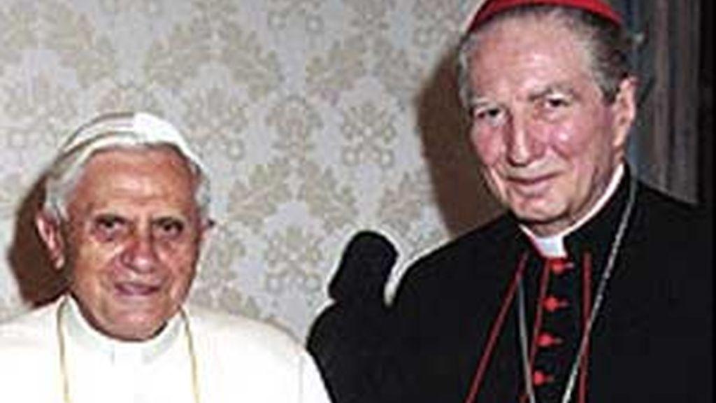 El cardenal Martini con el Papa. Foto: BBC