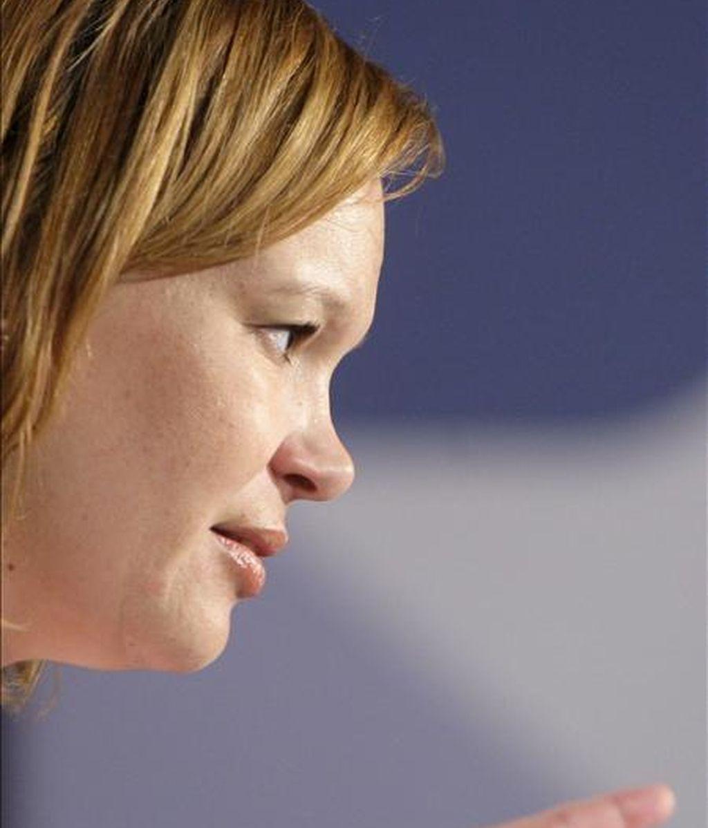 La secretaria de Organización del PSOE, Leire Pajín, se dirige a los asistentes a un mitin en la localidad zaragozana de Utebo. EFE/Archivo