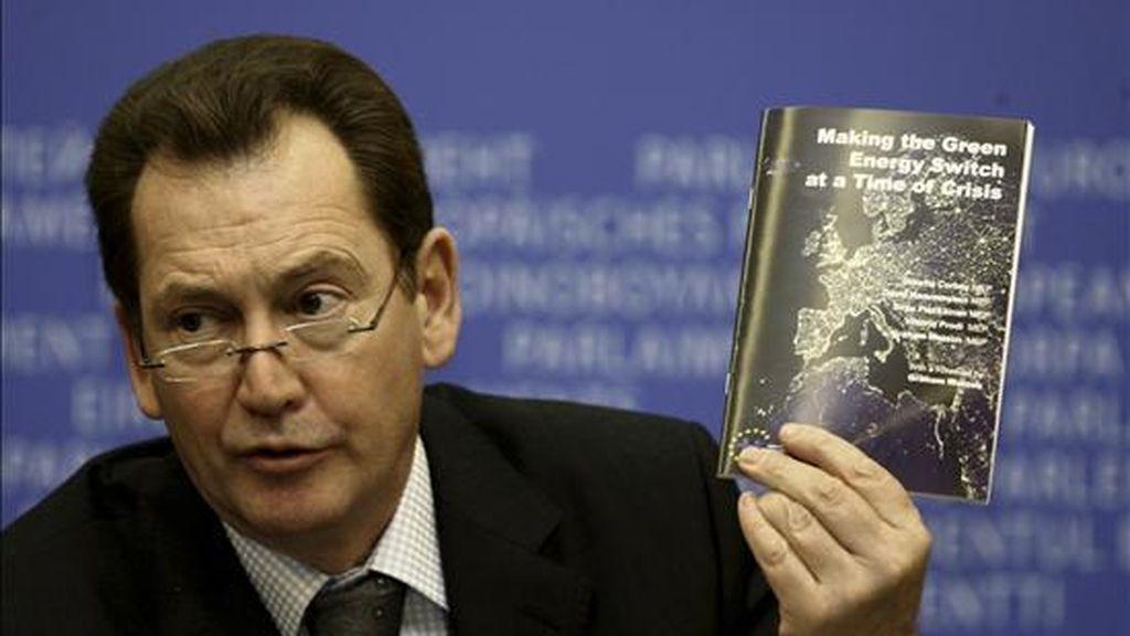 El líder del grupo liberal del Parlamento Europeo, Graham Watson, hoy en Estrasburgo. EFE