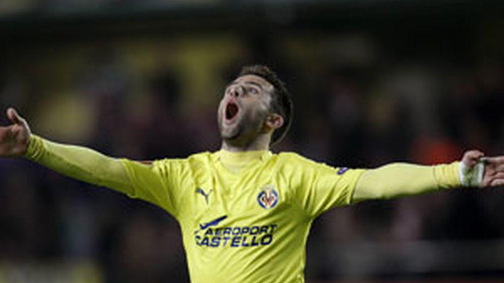 Rossi celebra uno de los tantos en el partido de ida. Vídeo: Informativos Telecinco