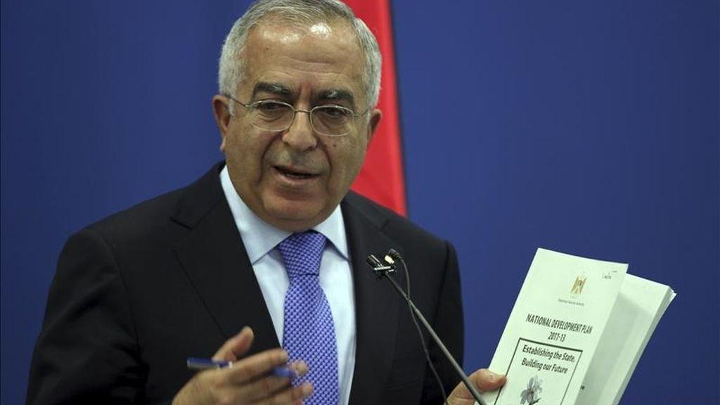 El primer ministro palestino, Salam Fayad, comparece en una rueda de prensa en Ramala, Cisjordania. EFE